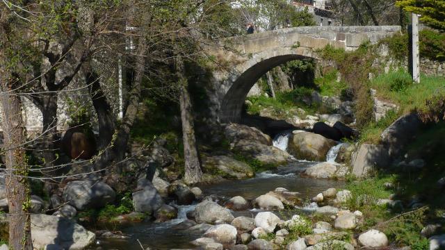 Puente Romano de Piedralaves