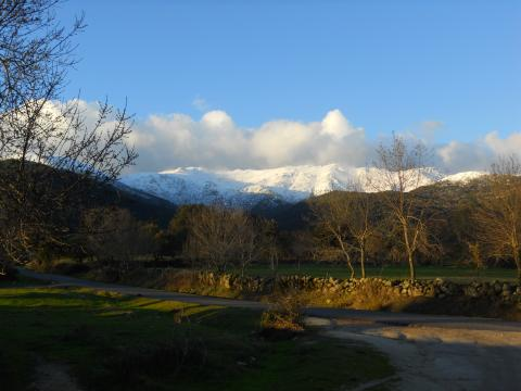 Vista desde el Camino del Rio bis en Piedralaves