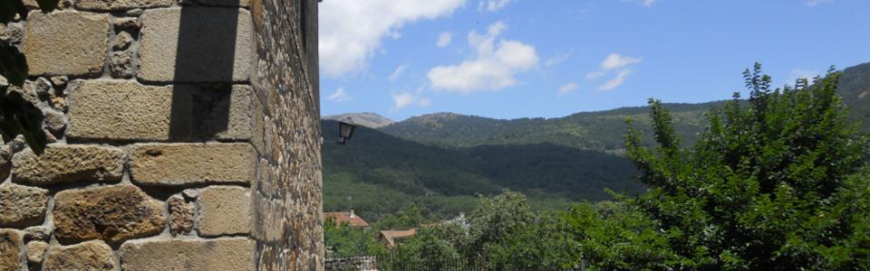 Piedralaves, La Plaza, la Iglesia y su entorno
